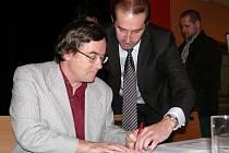 Rok po podpisu koaliční smlouvy je na spadnutí i podpis programového prohlášení koaličními partnery v prachatickém zastupitelstvu.