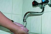 VODA. Některá města zvedla ceny vody.