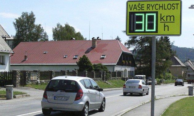 Volarský radar informuje šoféry o tom, kolik mají na tachometru