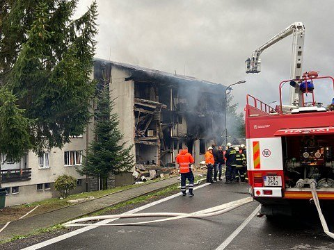 Výbuch v bytovém domě v Lenoře. Jeden člověk se pohřešuje