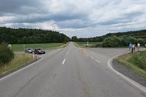 V sobotu po 13 hodině zemřel po střetu s osobním vozidlem na silnici u Žernovic cyklista.