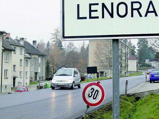 HOTOVO. Oprava silnice od hranic přes Lenoru je již dokončena.