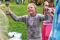 Děti absolvovaly malou olympiádu v netradičních disciplinách u Lipna