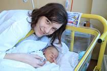 JAKUB BRABEC, PRACHATICE. Narodil se v pátek 1. února v 16 hodin a 30 minutv prachatické porodnici. Vážil 4270 gramů. Rodiče: Zuzana Novotná a Tomáš Brabec.