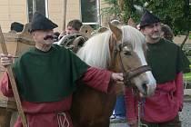 Soumaři z německého Pasova při příjezdu do Prachatic.