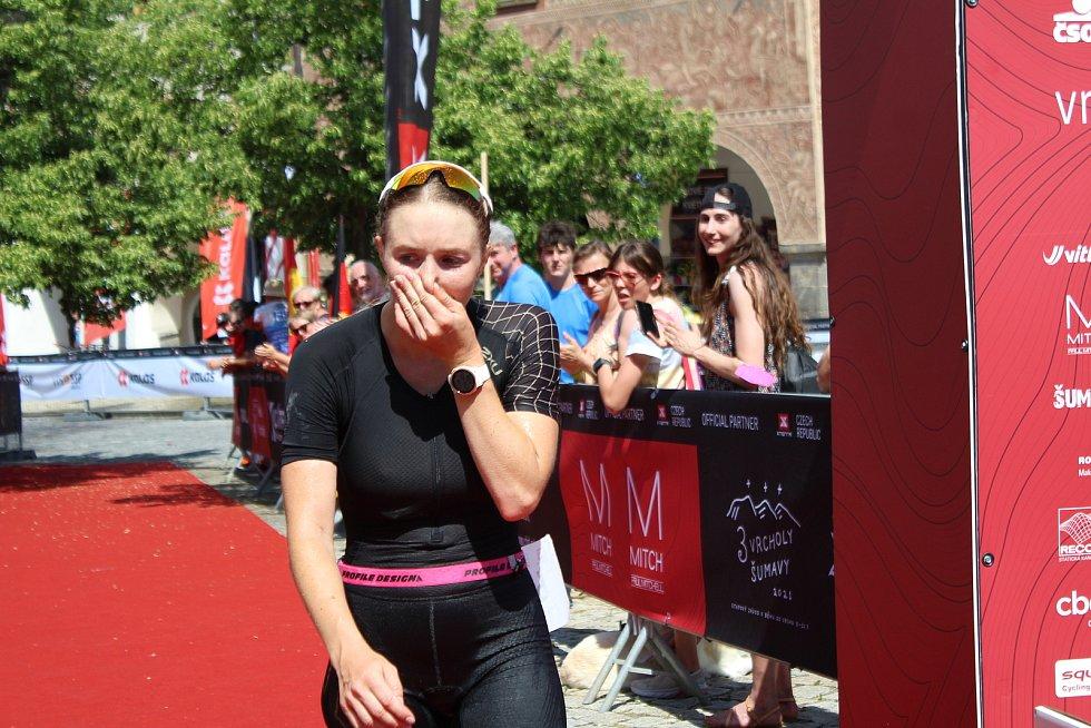 Elitní ženy připravily divákům na trati pořádné drama v boji o pořadí.