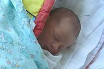 Laura Nůsková se v prachatické porodnici narodila v sobotu 1. srpna pět minut před čtvrtou hodinou odpolední rodičům Dianě a Radimovi z Vimperka. Při narození vážila 2850 gramů.