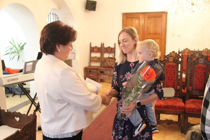 Jiří Marek s rodiči a sestřičkou.