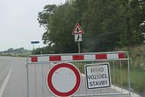 Hlavní tah do Němčic ve směru od Českých Budějovic je také uzavřen.