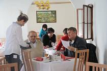 Žáci Střední školy ve Vimperku vařili podle receptů čtenářů Prachatického deníku.