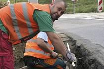 Do oprav silnic investuje obec jeden milion korun. Ilustrační foto.