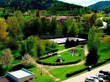 Studie parku Mládí s hřištěm na hokejbal.