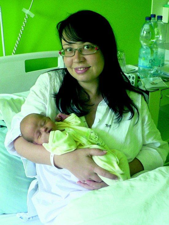 Ve strakonické porodnici se 23. května v 08.20 hodin narodil Karel Toncar z Vimperka. Vážil 2970 gramů.