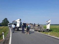 Nehoda na objízdné trase z Podeřišť na Novou Hospodu komplikuje dopravu na České Budějovice.