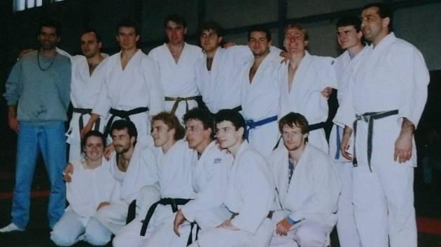Tým judistů z roku 1995, který postoupil do první ligy.