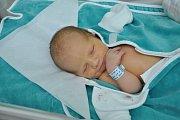 Oleh Holub se narodil v úterý 6. února ve 12 hodin a 12 minut ve strakonické porodnici. Vážil 3620 gramů. Klučina je prvorozeným dítětem rodiny, která žije v obci Stachy.