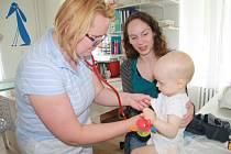 Dětská lékařka Magda Beránková z Prachatic očkování dětí doporučuje.Ilustrační foto