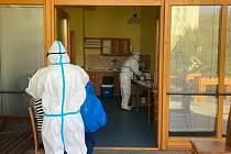 Testování v prachatickém domově seniorů potvrdilo druhý případ covid-19. Všichni jsou obezřetní.