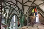 V kostele sv. Jakuba v Prachaticích probíhá rozsáhlá rekonstrukce. Přinesla s sebou i nečekané nálezy.