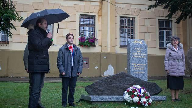 Pomník ke stému výročí konce první války odhalili v Prachaticích.