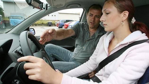 Výuka v autoškole