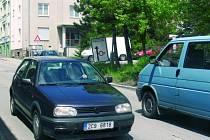 UZAVÍRKA. Z Prachatic přes Husineckou přehradu řidiči neprojedou. Na zákaz vjezdu upozorňují dopravní značky i před křižovatkou v Pivovarské ulici.