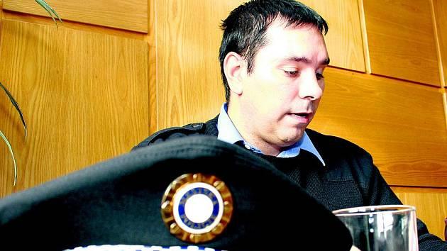 Současný velitel strážníků ve Vimperku Daniel Ziemba slíbil, že budou více v ulicích města.