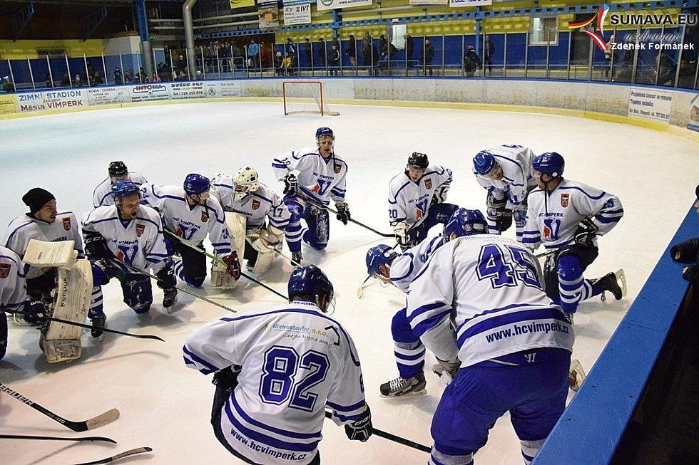 Vimperští hokejisté porazili Strakonice 4:3.