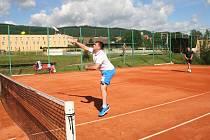 Tradiční prachatický Míčový trojboj zná vítěze dalšího ročníku. I tentokrát na soutěžní dvojice čekal tenis, nohejbal a pokutové kopy.