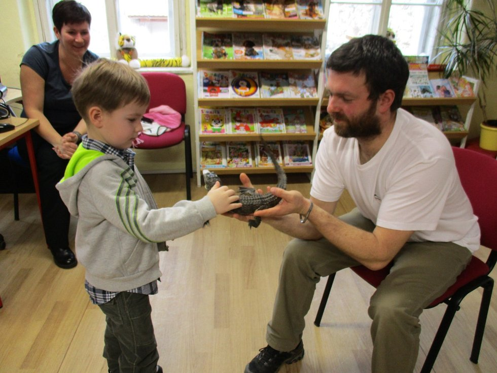 Každý prázdninový den měly prachatické děti v knihovně program. A každý den je moc bavil. Foto: Lucie Jiraňová