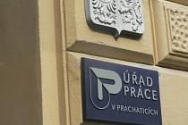 Tři města a jedna obec přijaly z Úřadu práce v Prachaticích nezaměstnané na veřejně prospěšné práce. Ilustrační foto.