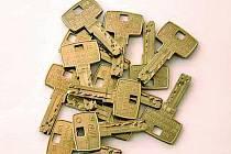EUROKLÍČE. Universální klíče, které otevírají zámky na různých místech Evropy.