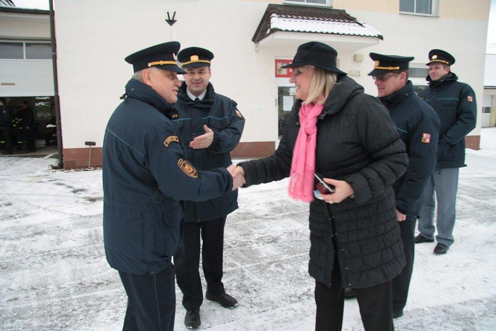 V pondělí 26. ledna 2015 předal ředitel HZS Jihočeského kraje Lubomír Bureš do užívání hasičům ze stanice Vimperk speciální terénní vozidlo. Předání byla přítomna i starostka Vimperku Jaroslava Martanová a ředitelé některých územních odborů HZS.