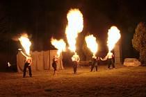 Lampionový průvod a ohňová show v Lenoře.