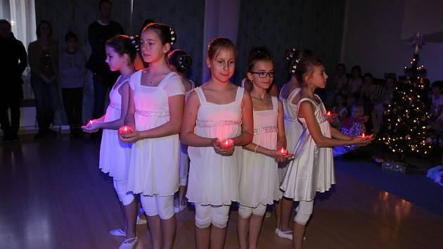 Malé baletky rozdávaly vánoční radost.