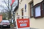 Volební místnost v Šumavských Hošticích
