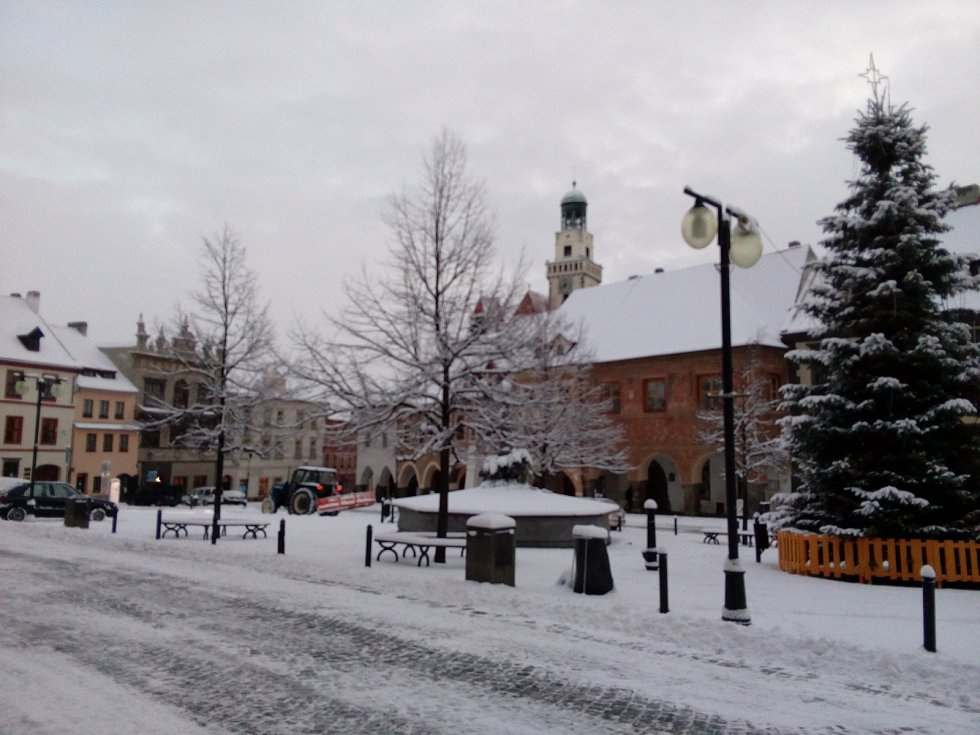Nový týden před Vánoci zasypal Prachaticku vrstvou sněhu.