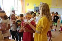 Vyzkoušet si život zdravotně postižených měli šanci školáci ve Volarech.