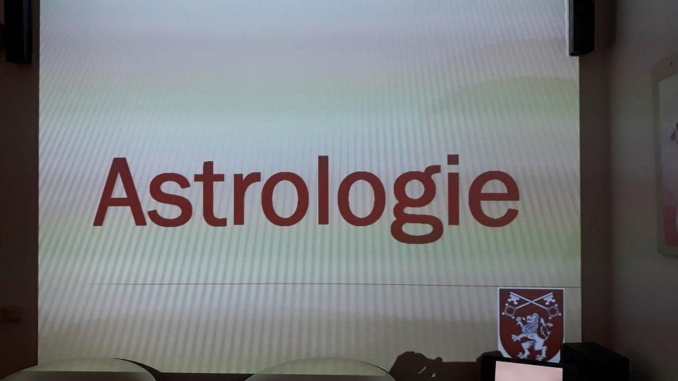 Přednáška o astrologii v Prachaticích.