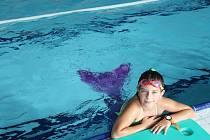 V prachatickém bazénu plavou mořské panny.