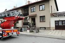 Hasiči z Vimperka a okolí zasahovali ve čtvrtek ráno u požáru v rodinném domě.