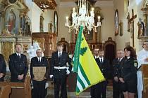 Lípu a dub, národní stromy Čech a Bavorska, zasadili v neděli 21. června v Horní Vltavici jako připomínku slavnostního vysvěcení obecních symbolů, a to vlajky a znaku.
