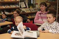 Pro děti bylo v knihovně připravené čtení i povídání o vánočních zvycích.