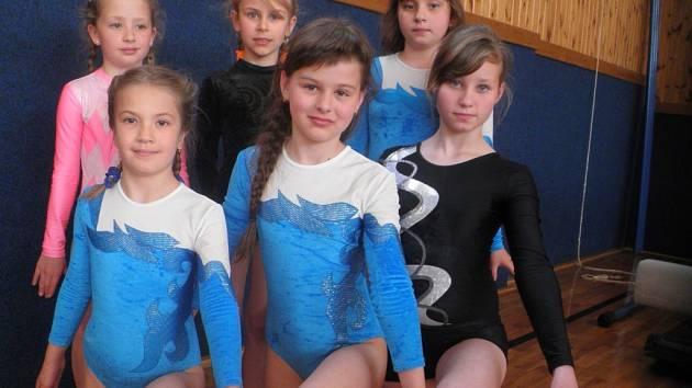 Vimperské gymnastky ve Veselí.