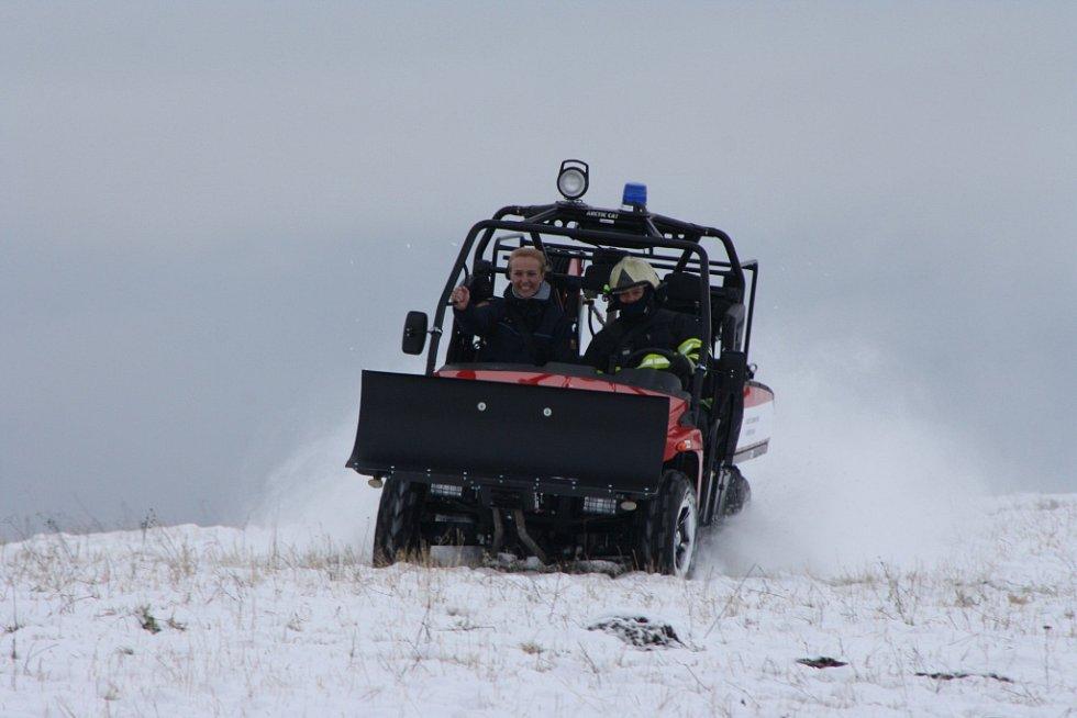První jízda nového terénního vozidla přímo v terénu.