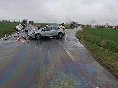 Při nehodě u Tvrzic byla jedna zraněná osoba transportována leteckou záchrannou službou do nemocnice.