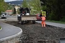 Rekonstrukce Sušické ulice komplikuje dopravu ve Vimperku.