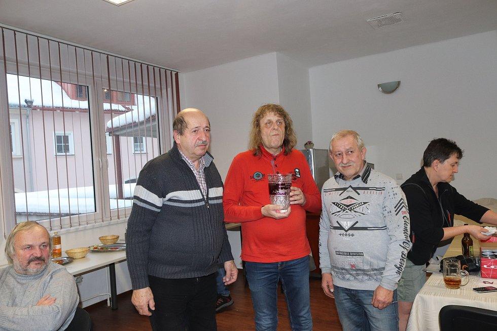 Ve společenské místnosti hotelu Bobík ve Volarech se uskutečnil pátý ročník Volarské bulky.