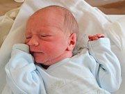 Josef Hečko se narodil v prachatické porodnici 11. února v 21:50 hodin. Vážil 2980 gramů. Rodiče Zuzana Frnochová a Jiří Hečko jsou ze Ktiše, stejně jako sourozenci Pavel Mrkvička (11 let), Adam Mrkvička (10), Jiří Hečko (5) a Jan Hečko (4 roky).