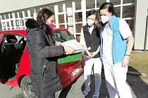Montessori děti pekly pro zdravotníky.
